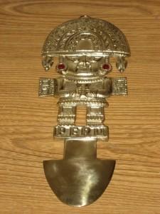 Il Tumi- simbolo del Perú