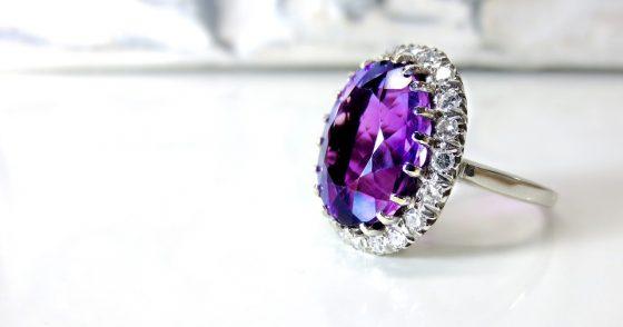 anello in argento con ametista