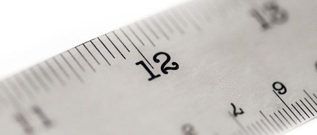 righello per misurare un anello