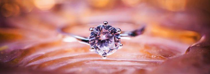 anello con ametista
