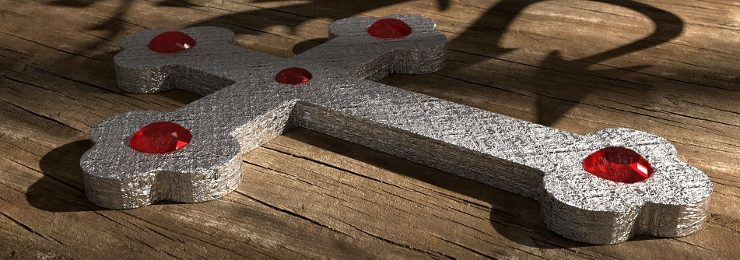 croce tempestata di rubini