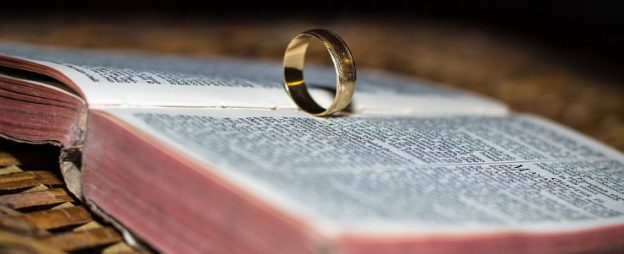 libro sulla storia dei gioielli