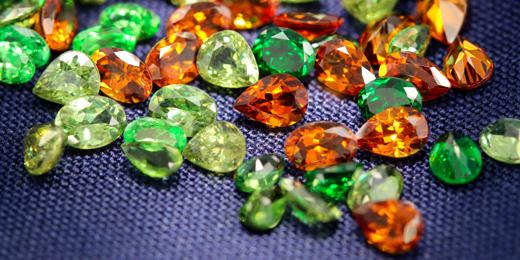 granato-tutti-colori-gemme-juwelo